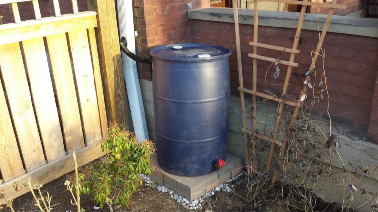 Rain barrel hookup